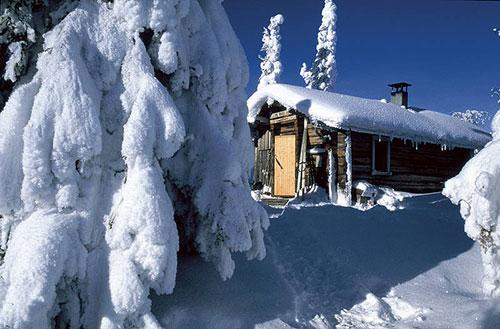 Chaletsous la neige