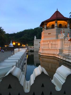 le palais Royal, et le Temple de la dent de Boudha
